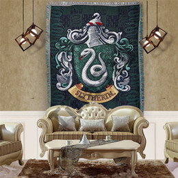 tapices de dormitorio Rebajas Harry Potter Tapiz 14 Estilos Insignias Borlas Alfombra Gryffindor Slytherin Hufflerpuff dormitorio alfombra Partido Figura Decoración 20pcs T1I1561