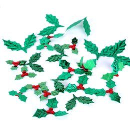 Suministros de decoración de frutas online-Crafts 200Piece Red Fruit With Green Leaves Christmas Tree Decoration Supplies DIY Art Fabric Accessory