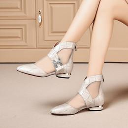 pattini bianchi del tallone di 3cm Sconti Fashion designer 3cm tacco basso casual da donna scarpe in mesh traspirante bianco nero punta a punta stivale estivo taglia 35-40