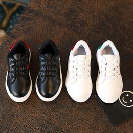 Argentina Calzado niños Slip-On bebé de la PU de las zapatillas de deporte respirable del ocio pequeño diseñador de abeja zapatos infantiles de las muchachas de los mejores zapatos bajos 2 colores C419 Suministro