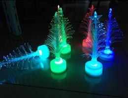 2018 yeni yaratıcı renkli parlayan Noel ağacı Noel ışık oyuncaklar hediyeler led flaş fiber ağacı toptan nereden yuvarlak düğün masa örtüleri tedarikçiler