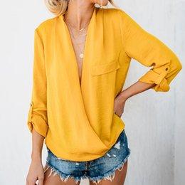 chemise à manches retroussées Promotion Feitong 2019 Shirt Femmes D'été Blusas Feminina Femmes Roll up manches longues Solide Dames Sexy Col V Profond Blouse Tee Shirt Top