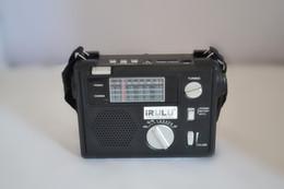 Argentina IRULU Radio de bolsillo portátil de alta calidad FM / AM / SW1 -6 Radio de emergencia del receptor de 8 bandas del mundo con USB / SD REPRODUCTOR DE MP3 Suministro