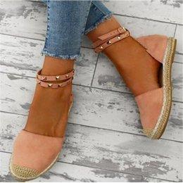 Хлопок ручной работы онлайн-Rivets Beaded Women Fashion Handmade Cotton Fabric Espadrilles Slip on Casual Canvas Loafers Ladies Flat Shoes Size