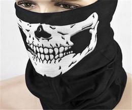 2019 bufanda de gasa estrellas blanca Venta al por mayor- Máscara asustadiza del cráneo negro de la mitad de la cara del cráneo de la bufanda del fantasma de los hombres de la manera 2018 para el horror CS Fiesta de Halloween regalo de la máscara