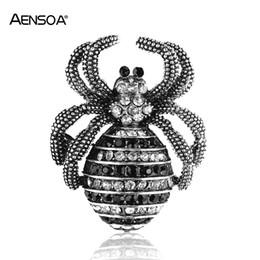 2019 spoglie i ragni AENSOA Strass piccole spille spider per le donne uomini cristallo della lega in accessori moda vintage gioielli squisita spilla spoglie i ragni economici