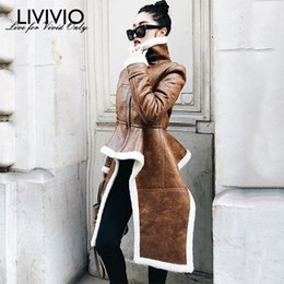 2019 abrigo de lana rosa con volantes [LIVIVIO] Abrigos de vellón irregulares Pu Cuero Cuello alto Cremallera Midi Abrigo largo Invierno Grueso Femenino Ropa de marea de gran tamaño