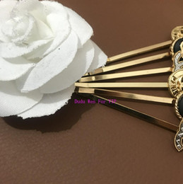 vintage pins Coupons - 2019 fashion C symbol metal hair clips luxury hair asscessories collection item Vintage style fashion designer hair pin paper card VIP gift