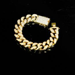 2019 braccialetto di collegamento cubano oro pesante 20mm uomini zircone cubano braccialetto di collegamento gioielli hip hop oro spesso materiale di rame pesante ghiacciato catena cz 7 '' - 9 '' braccialetto di collegamento cubano oro pesante economici