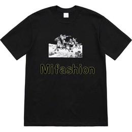 Рубашки всадника онлайн-19ss США Высокое Качество Summer Box Logo Riders In The Grassland Tee Скейтборд Мужская дизайнерская футболка Женщины Street Luxury Повседневная Футболка