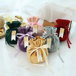disegno del sacchetto di nozze Sconti 26 disegni borsa regalo flanella sacchetta caramella di cerimonia nuziale Borse Wrapping Pouch Candy Box gioielli Borse di archiviazione per il partito