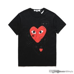 dresses com Coupons - 18ss Black COM DES G GARCONS CDG HOLIDAY Heart Emoji PLAY T-shirt new large red hearts limit the expression love couples dress shirt