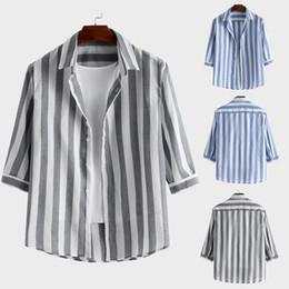 2019 camisa casual de estilo coreano de los hombres Camisas para hombre 2019 nuevo estilo Hombre Coreano Slim Moda Hombre Casual Stripe Botton Down Slim Hawaiian Dress Shirt Blusa Tops M-3XL rebajas camisa casual de estilo coreano de los hombres