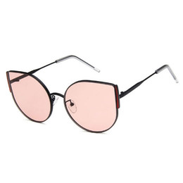 2019 vetri incorniciati rossi all'ingrosso Occhiali da sole di alta qualità cat eye occhiali da sole donne designer di design in metallo telaio grande occhiali da sole colorati occhiali rossi all'ingrosso sconti vetri incorniciati rossi all'ingrosso