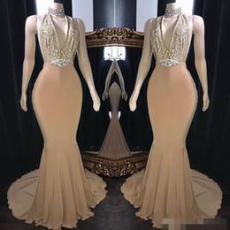Sexy hundiendo lentejuelas de oro vestidos de baile sirena cabestro sin respaldo con cuentas de cristal largo formal vestido de fiesta por la noche por encargo vestido desde fabricantes