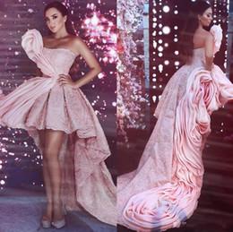 2019 abiti da sera rossi senza spalline Stile arabo Dubai High Low Pink Prom Dresses Long 2019 Long Train Pageant Party Gowns senza spalline Cocktail Evening Red Capet Dress sconti abiti da sera rossi senza spalline