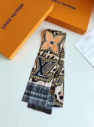 Самые продаваемые шарфы онлайн-Лучшие предложения по продаже женской оголовье роскошный классический 100% шелковый шарф волос способа с высоким качеством оголовьем без коробки бесплатной доставкой