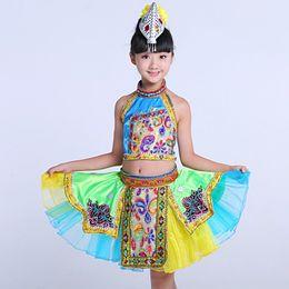 Niñas trajes de baile minoritario ropa nacional china de rendimiento de kindergarten ropa miao ropa niños trajes de baile desde fabricantes
