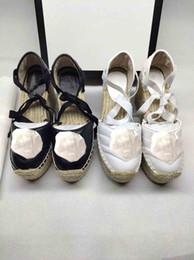 Pattini di cuoio ad alto cuneo online-Moda New SEASON vera pelle Gladiatore Sandali alta qaulity designer sandali alla caviglia strape scarpe EU35 ~ 40 opzione impermeabile plat