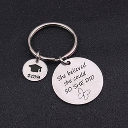 2019 прелести для градуировки BBF Birthday Present She Believed She Could So Did 2019 Graduation Gift Keychains Jewelry Girlfriend Bag Charm Accessories скидка прелести для градуировки