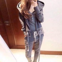 le donne vestono lo stile coreano Sconti All'ingrosso- 2016 Autunno stile coreano Tuta sportiva per le donne Tute Tre pezzi Vest + Coat + Pants Jogging Set Sportswear One Set