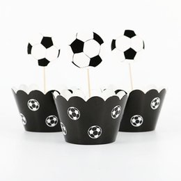 2019 decorações do futebol para a festa 24 pçs / lote copa do mundo de papel de futebol cupcake envoltórios toppers (12 wraps + 12 topper) para crianças festa de aniversário decoração de copos de bolo desconto decorações do futebol para a festa