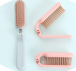 Pettini da parrucchiere rosa online-Folding soft tooth travel comb portable portable mini straight hair curlers dual purpose hairdressing plastic comb blue pink free delivery