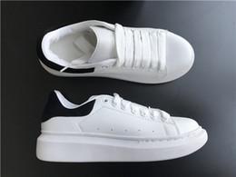 4e4d49c297b60 Mens Womens Casual Schuhe Sommer Breathable Sneaker Chaussures Gießen  Hommes Leder Paris Weiß Schuhe Muffin Sport Sneakers Flache Leder günstig  weiße ...