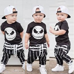 комплекты мальчиков черепа наряды Скидка Новый Хэллоуин череп одежда набор Baby Boy хлопок футболка топ гарем брюки черно-белый детский наряд дети спортивный костюм набор