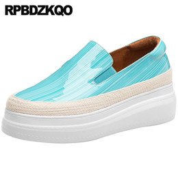 Scarpe focaccine coreane online-Cuoio della pelle verniciata del cuneo Piattaforma genuina delle scarpe rampicanti del muffin Piattaforma dell'elevatore delle donne della corda spessa della corda Brown blu coreano