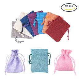 7x9 cm Bolsas de lino para joyería Empaquetado Color mezclado Pequeño regalo Paquete Bolsa de almacenamiento Cordón Saco Perlas Pendientes Anillos Collar Pequeña bolsa desde fabricantes