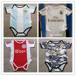 Milan jersey corto online-Real Madrid Ajax Juventus Manchester United Chelsea Arsenal Inter Milan Liverpool Nueva camiseta para bebés 2019 2020 FC Barcelona calidad 6-18 meses camiseta para ropa de bebé