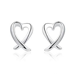 Em forma de coração de prata brincos simples moda tendência senhoras brincos simples amor de Fornecedores de brincos de diamantes reais por atacado