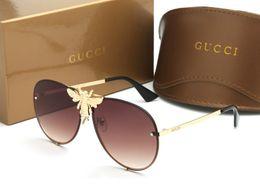 sommer klassischen frauen stil Rabatt Top-Marke Sonnenbrille für Frauen 2238 Italien klassische Summer Fashion Style Metall randlose Rahmen Brille Biene Schatten Brille