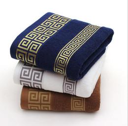 Asciugamani da bagno in cotone morbido Asciugamano da spiaggia per adulti Asciugamano in faccia Asciugamani basic da uomo 140 * 70cm KKA6838 cheap bath sheet beach towels da asciugamani da spiaggia fornitori