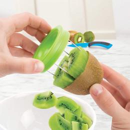2020 cortador de la rebanadora 2 unids / set Mini Kiwi Fruit Cutter Peeler Tool Gadgets de Cocina Para Pitaya Slicer Green Venta Caliente Accesorios de Cocina cortador de la rebanadora baratos