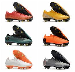 ca331499b1988 NIKE Botas de futebol CR7 Mercurial Superfly V Sapatos de Futebol FG Nova  Chegada 2018 Sapatilhas C Ronaldo 7 Qualidade Superior de Prata Mens Chuteiras  De ...