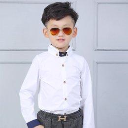broche de manga comprida Desconto Meninos Blusas manga comprida de algodão camisa branca para camisas Pupil Primavera Outono Crianças básicos com broche roupa ocasional menino de escola