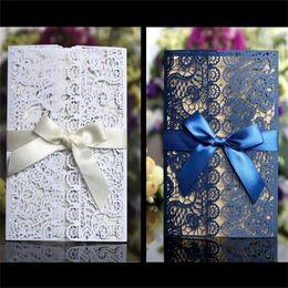 Inviti di seta online-Invito per le nozze di carta scialle perlescenti rosa rosso nastro di seta quadrato Invito alla celebrazione semplice cartolina d'auguri di moda 1 4dsD1