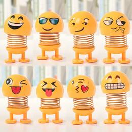 Sallayarak Kafa Oyuncaklar Araba Süsler Bebekler Sevimli Karikatür Komik Emoji Wobble Başkanı Robot Güzel Araba Pano Dekorasyon Oto Dans Oyuncak DBC VT0726 cheap shaking car dolls nereden sallanan araba bebekleri tedarikçiler