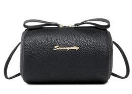 Caldo Nuovo di alta qualità Celebrity Style Designer Brand Borse moda borsa da sera borsa da donna Borsa ripple acqua con chiave di blocco da
