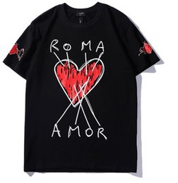 Magliette leggere online-Magliette da uomo di marca Tshirt in cotone leggero moda a forma di cuore Girocollo T-shirt Estate di alta qualità T-Shirt per il tempo libero Sottile tendenza selvaggia