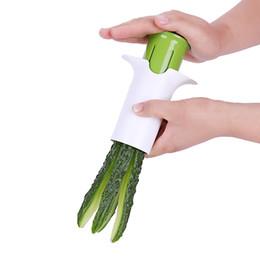 plastikgurken Rabatt Neuheit Gemüsegurkenschneider Kunststoff Metall Obst Erdbeer Schredder Durable Haushaltswerkzeuge Für Indoor Küche Zubehör 6 5mb