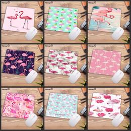 rosa studie tabelle Rabatt Mairuige 22X18CM Mousepad Rosa Flamingo Schreibtisch Matte Oberfläche Wasserdicht Anti-Rutsch-Tabelle Mauspad für berufstätigen Gaming Studieren