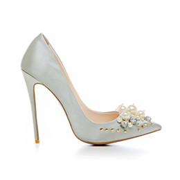 Modello di scarpe da ballo online-Ultime scarpe da donna nuove di design modello primavera Scarpe da donna su misura Scarpe da ballo da sposa in raso con tacco alto in metallo