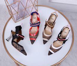 2019 sandalias negras gruesas talon Diseño de lujo moda tacones altos logotipo de alto gluten letras seda película neta tacones altos puntiagudo sexy alta densidad vendas elásticas sandalias
