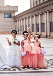 Schwarzes erröten hochzeitskleid online-African Black-Mädchen-Spitze Appliqied A-Linie Blumenmädchenkleider Erröten rosa Prinzessin Ballkleid Mädchen-Hochzeits-Festzug-Kleid-Partei-Kleider 124