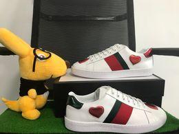 2019 haut cuir Chaussures ACE Designer de grande qualité, motif Top Real Leather Love, rayures vert-rouge, confortables et respirantes, chaussures de loisirs pour hommes et femmes. promotion haut cuir