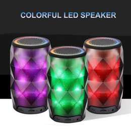 Cristallo mp3 online-Altoparlante Bluetooth 4.0 illuminato con Geode Crystal Lattine con funzione Touch Supporto TF Card MP3 Altoparlante colorato Buona qualità