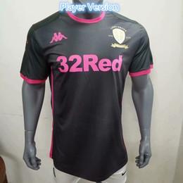 Camiseta de fútbol de color negro online-2020 Versión del reproductor Leeds United Football Club de distancia de color rosa fútbol jerseys 19/20 Men # 9 # 10 BAMFORD camisas negras ALIOSKI balompié de los uniformes del fútbol